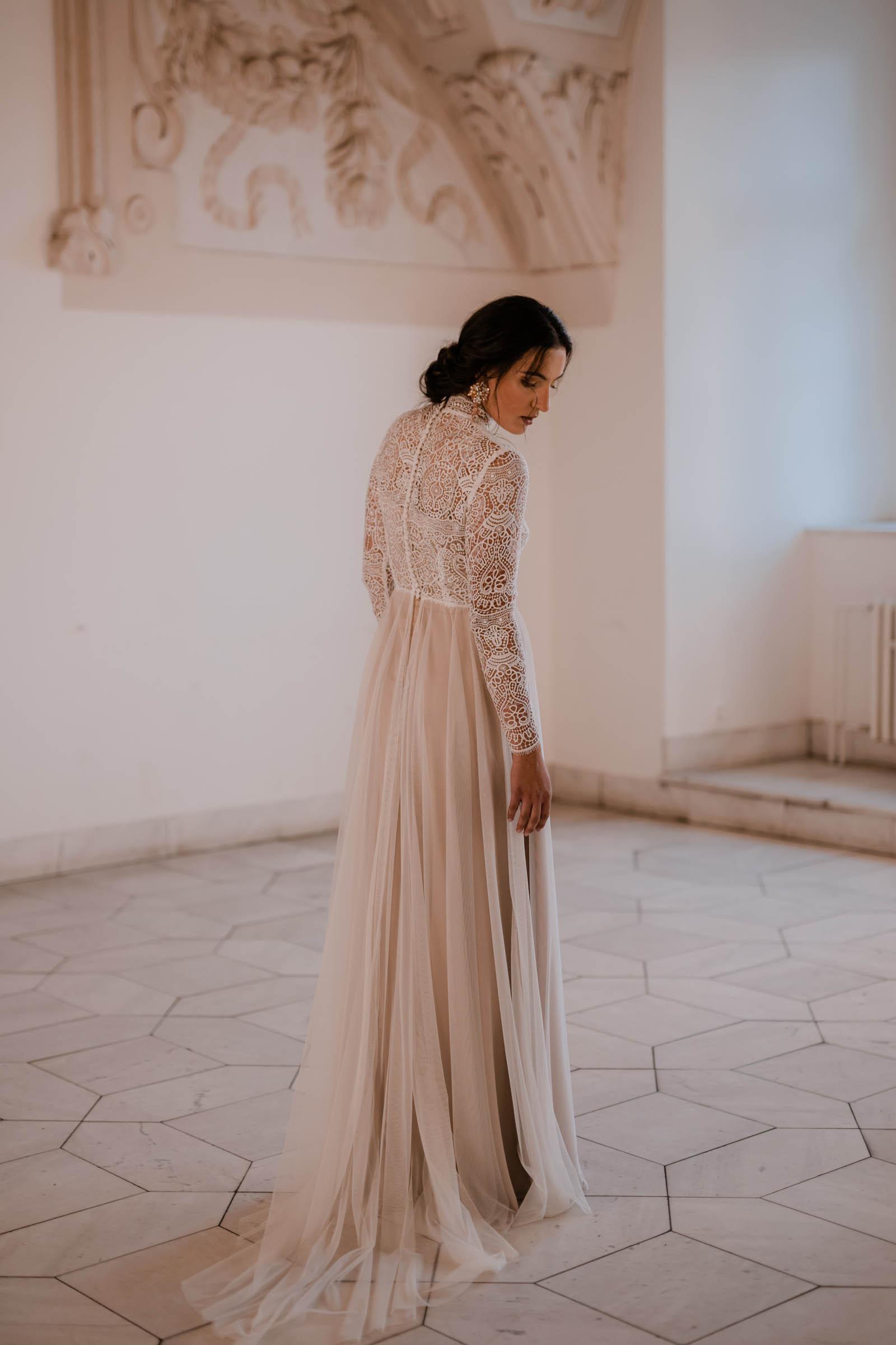 boho-svadobne-saty-veronika-kostkova-wedding-atelier-2019-charo-4