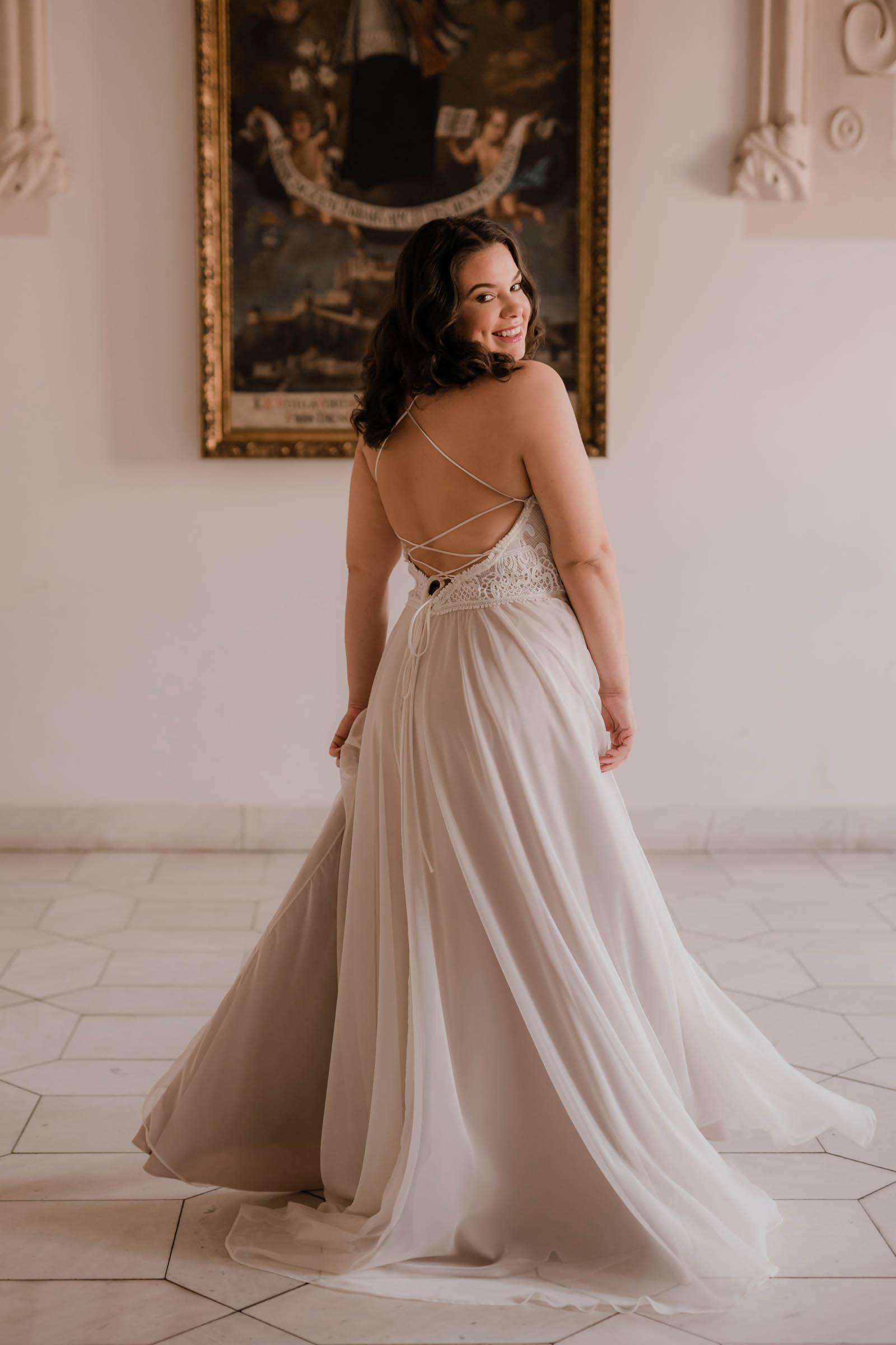 boho-svadobne-saty-veronika-kostkova-wedding-atelier-2019-tavia-2